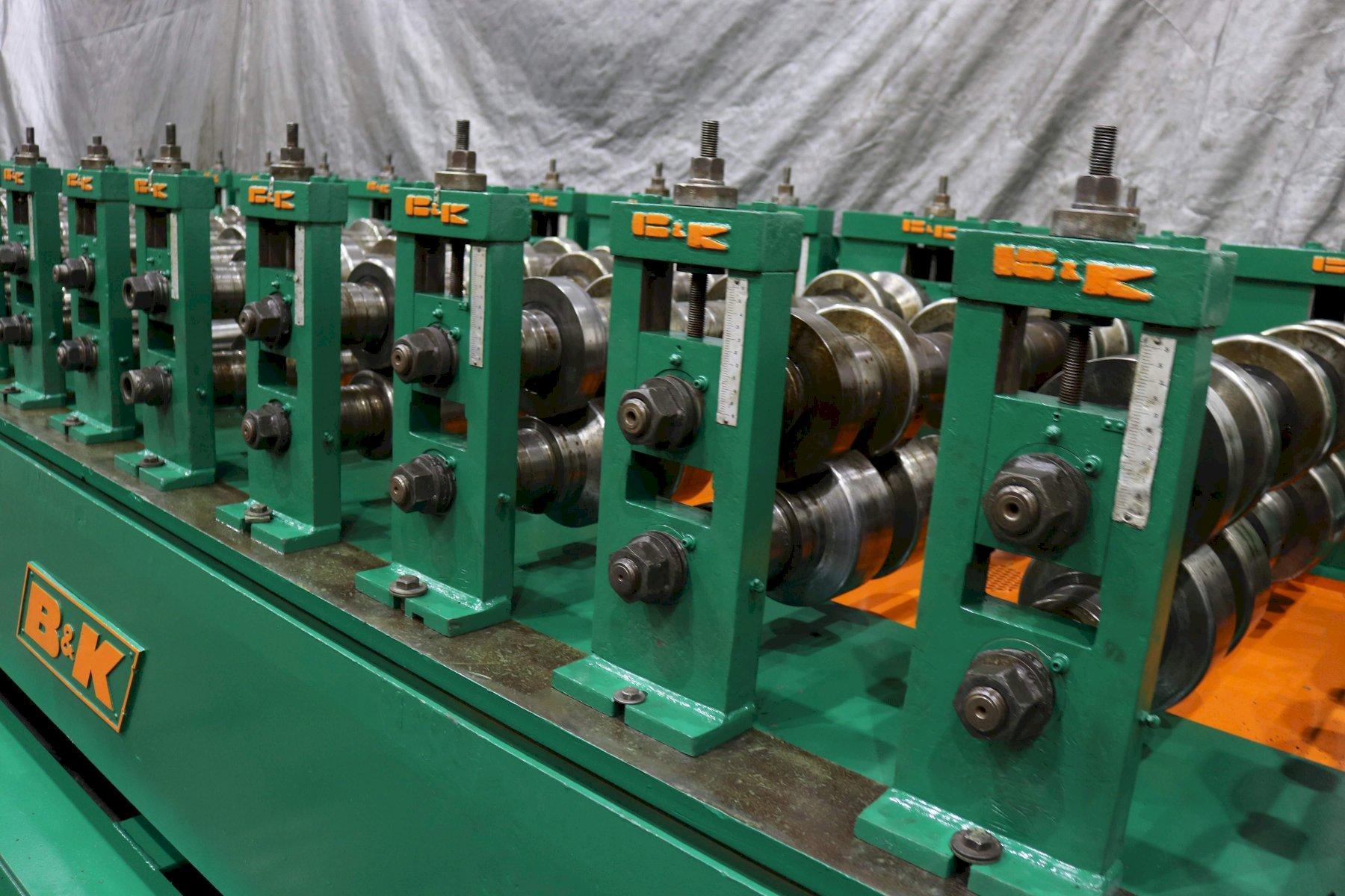 """26 Stand x 3 1/2"""" B & K Rollformer"""