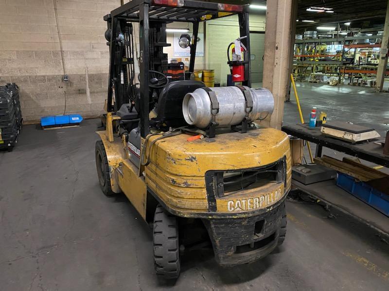 2002 Caterpillar G30 6,000 lb Forklift