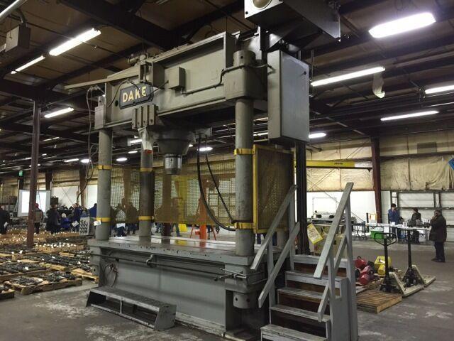 600 Ton Dake Hydraulic Straightening Press