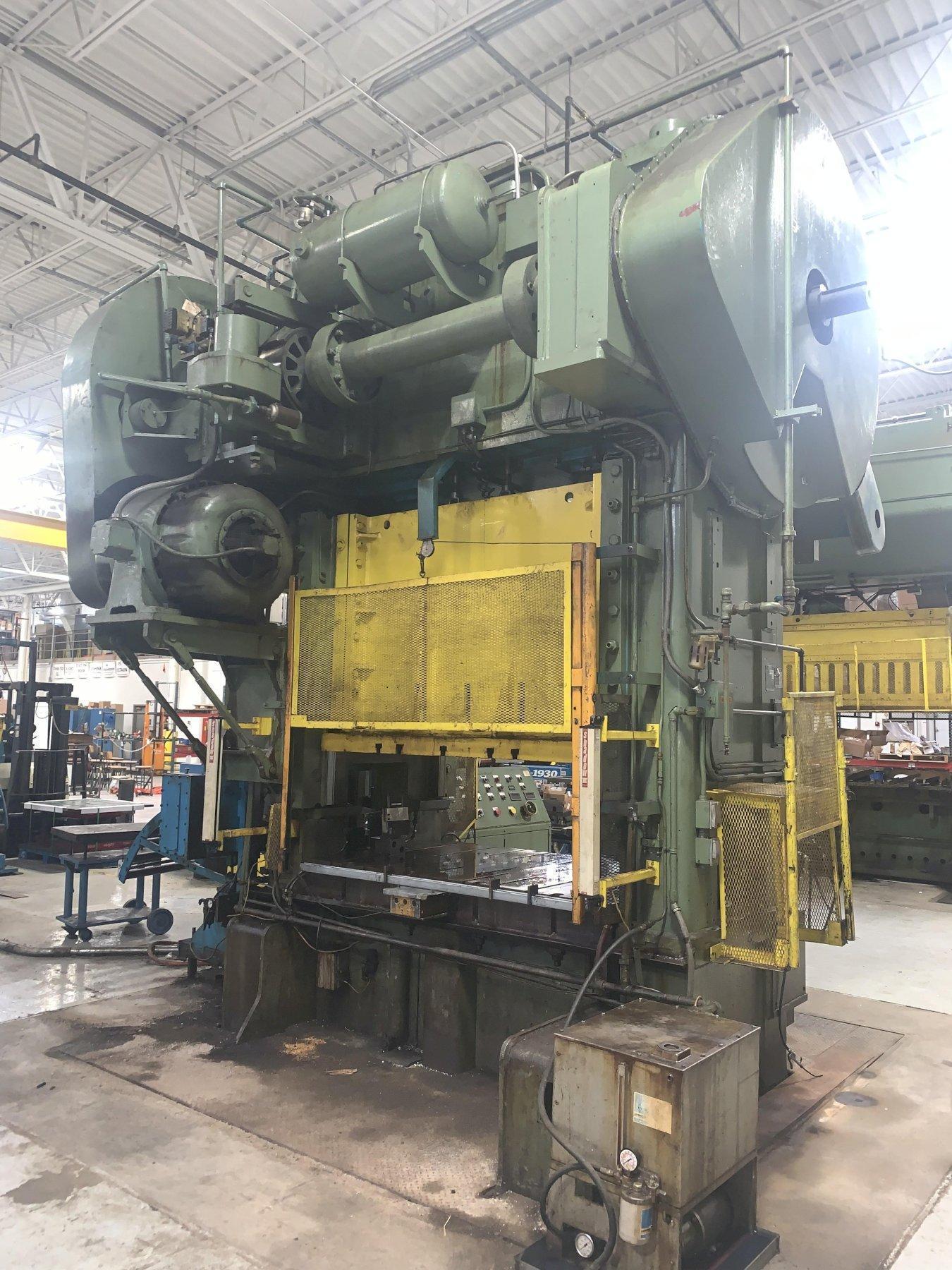 "400 TON NIAGARA SSDC PRESS WITH 30"" X .125"" ROWE COIL SERVO FEED LINE"