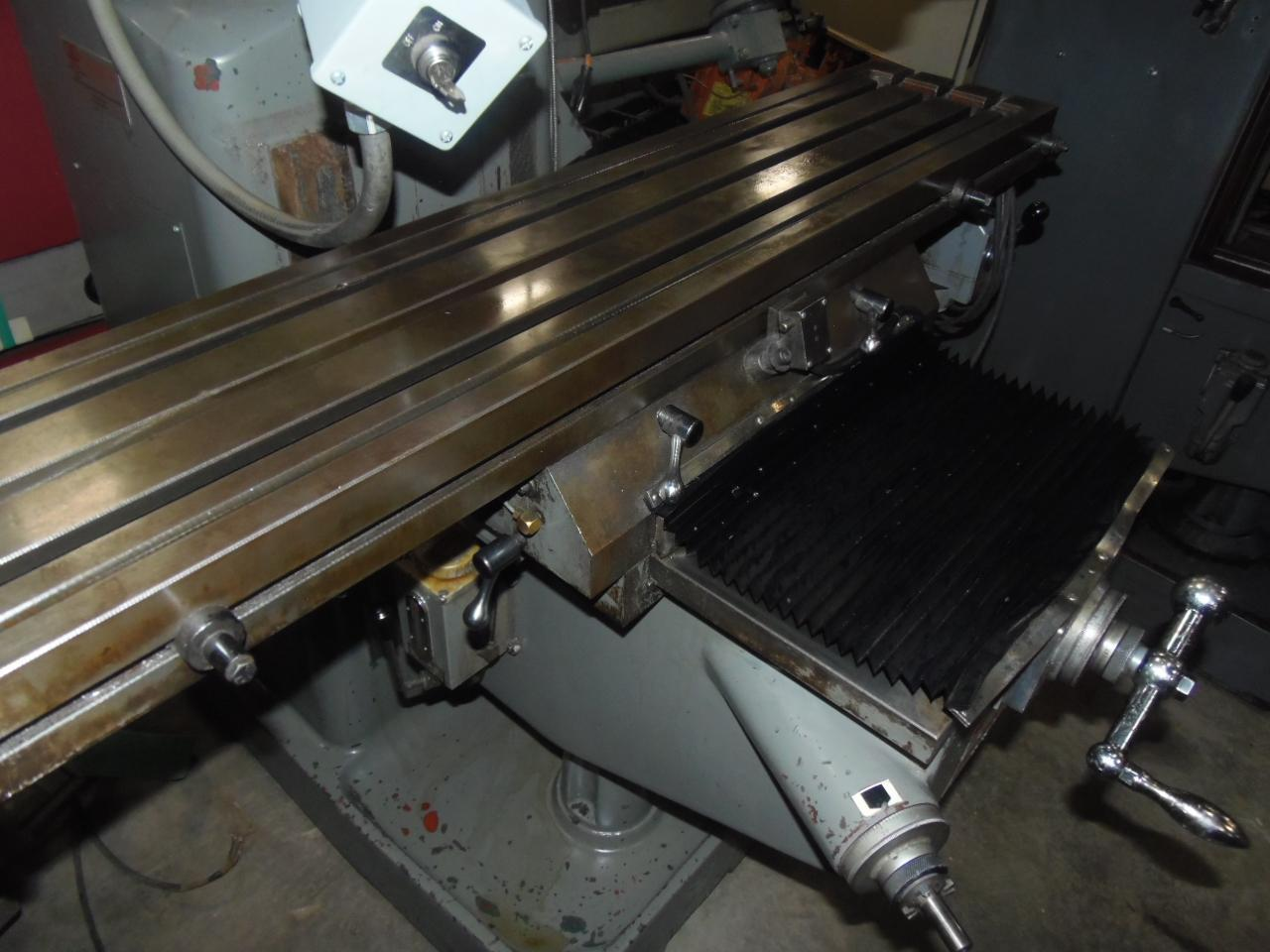 NO. 3KVHII MILLPORT MILL WITH 10 x 50 TABLE, VARY SPEED, READOUTS AND POWER FEED