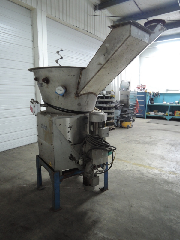 """2003 SCHENCK ACCURATE MODEL MODHC-1V-2A SCREW TYPE HIGH RANGE VOLUMETRIC ADDITIVE FEEDER S/N 73058-01A RATED UP TO 600-650 CU FT WITH 5"""" FULL PITCH STAINLESS STEEL HELIX SCREW AND NOZZLE 96"""" LONG, 10 CU FT HOPPER, 2 MOTORS"""