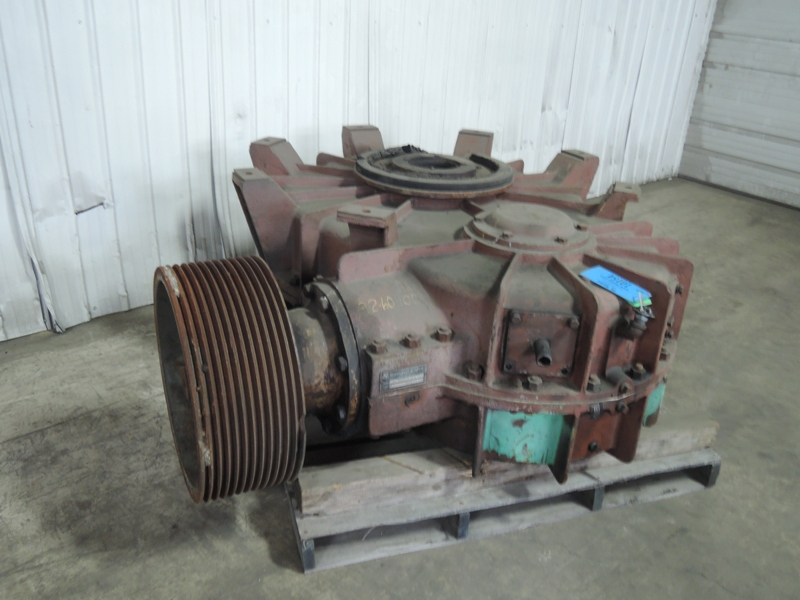 B AND P MODEL 64756 100B 200 HP MULLER GEARBOX S/N U-0655-148 VIDEO OF GEARS AVAILABLE