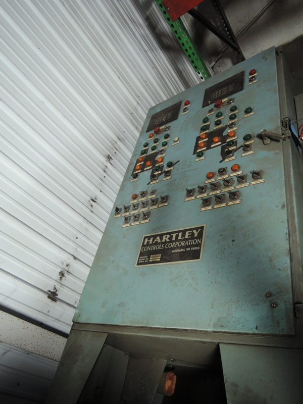 HARTLEY MODEL MODEL B-18 PC-1334 COMPACTABILITY CONTROL S/N 18PC-462 ALLEN-BRADLEY PLC 5/202500 -215-21WITH TWO SCREENS GOES WITH 2- MODEL 2500 TEST UNITS TAG #10216 AND 10217