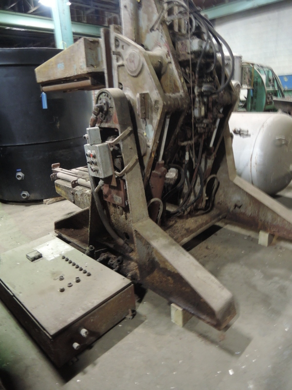 B AND P MODEL 4025H 4000# MOLD ROLLOVER S/N HRD 328-6810 WITH HYDRAULIC SYSTEM AND CONTROLS