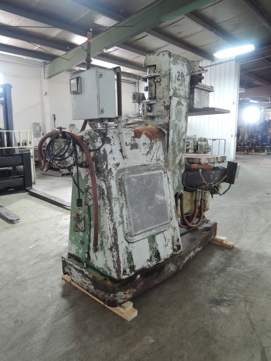 BMM MODEL BT1 JSRD MOLDING MACHINE