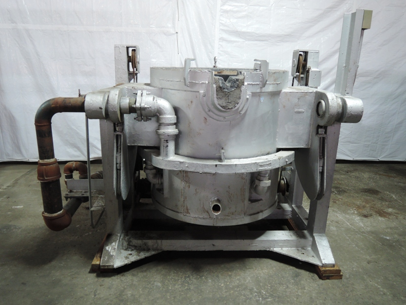 "MOTORIZED NOSE POUR FURNACE 20"" DIA 26"" DEEP CRUCIBLE WITH MOTOR, NO GAS SYSTEM"