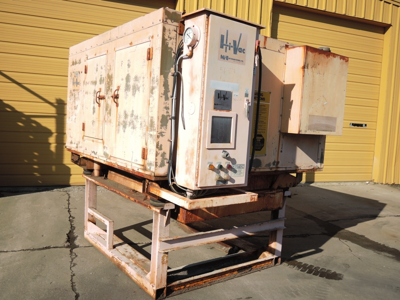 NFE MODEL 220LC HYVAC VACUUM S/N HV1208 WITH ENCLOSURE NO HOPPER, 5182 HOURS