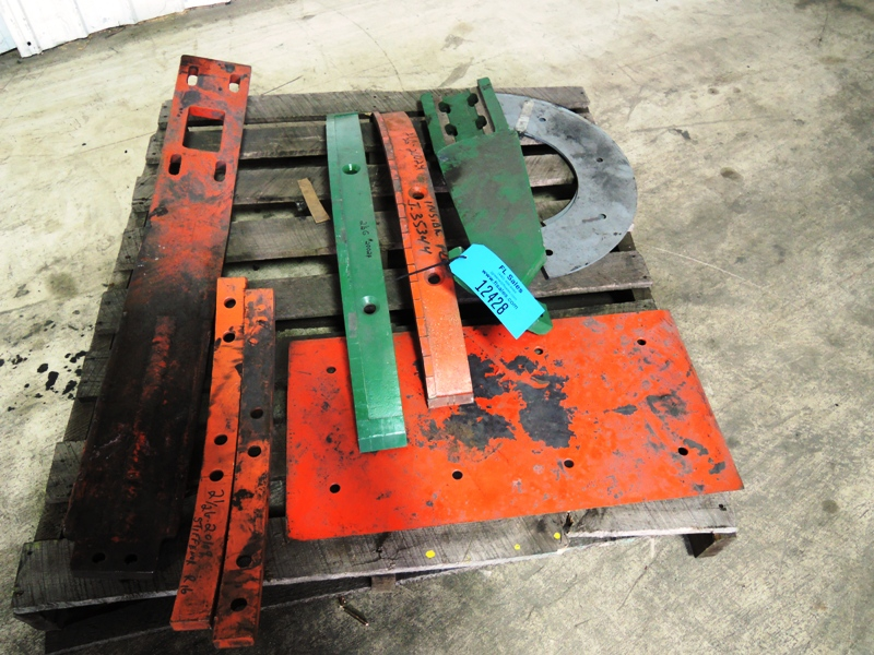 SKID OF MISC. 2.5G MULLER PARTS PLOWS, STRAPS, LINERS