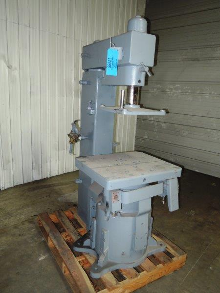 BMM MODEL QSF 210 JOLT SQUEESE MOLDING MACHINE S/N DH-7540, MODEL V-2669