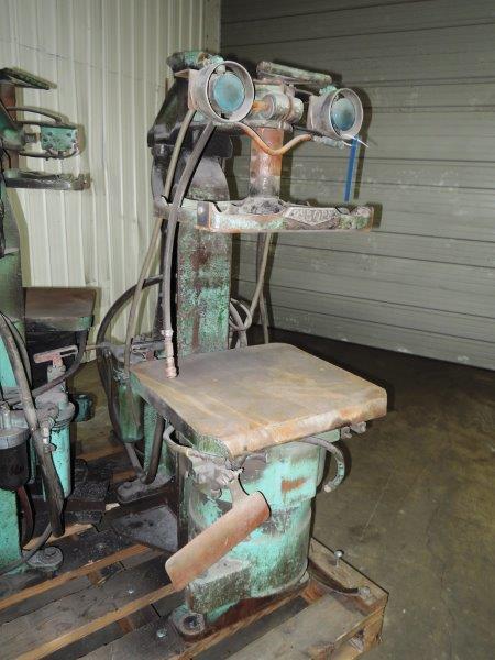 OSBORN MODEL 212RJW MOLDING MACHINE S/N 19016-G