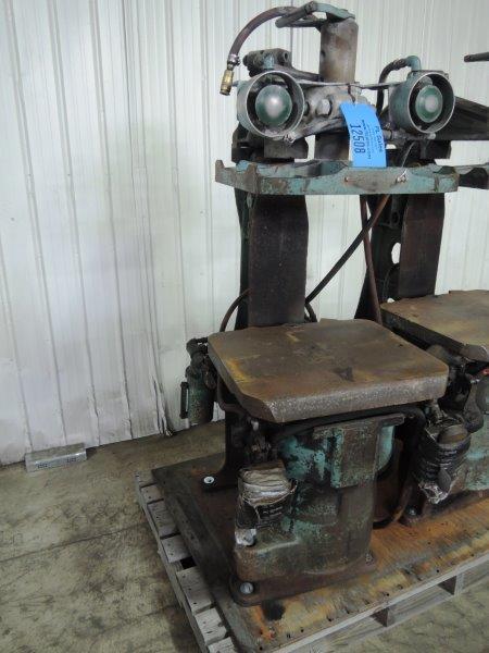 OSBORN MODEL 212RJW MOLDING MACHINE S/N 19403-E