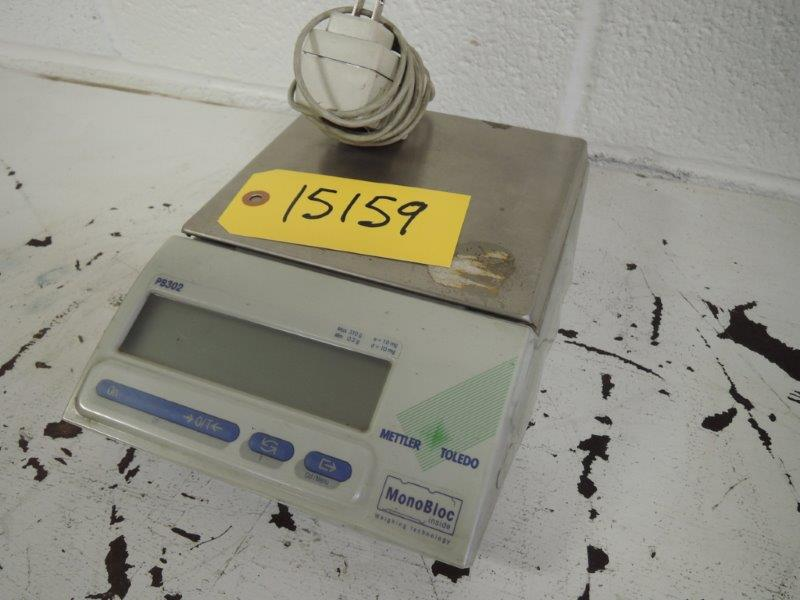 METTLER / TOLEDO MODEL PB302  DIGITAL SCALE  CAP MIN 0.2 G MAX 310 G