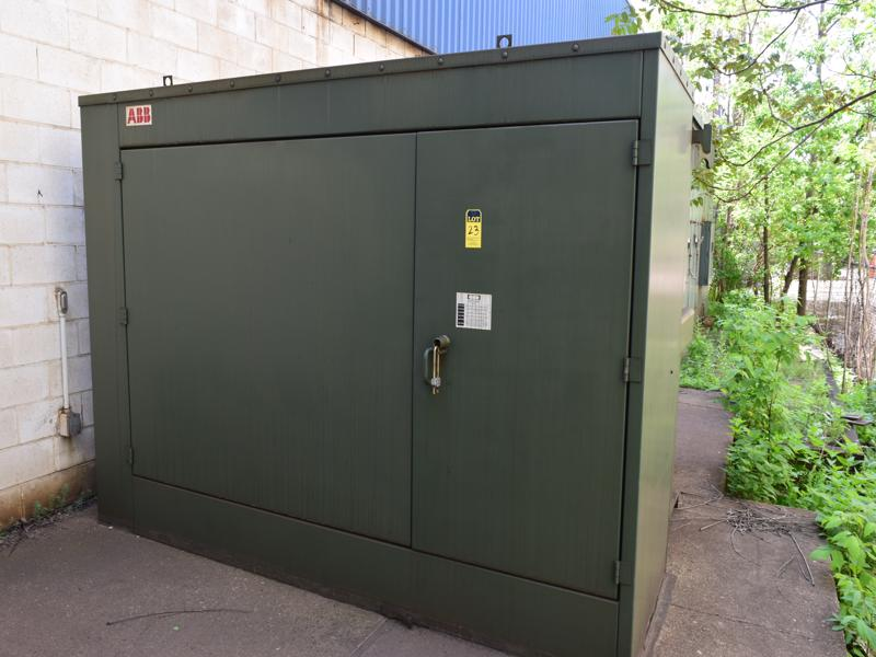 furnace transformer 3300 kva, 3 phase, type rsl, class oa, 26,400 primary volts, 575 volt secondary high taps, 27,720 to 25,080 PRICED WITH FURNACE SYSTEM