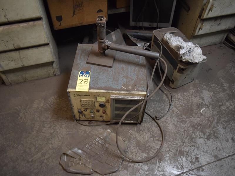 Electronite quick lab s/n 2147 with cup holder ( not in service)