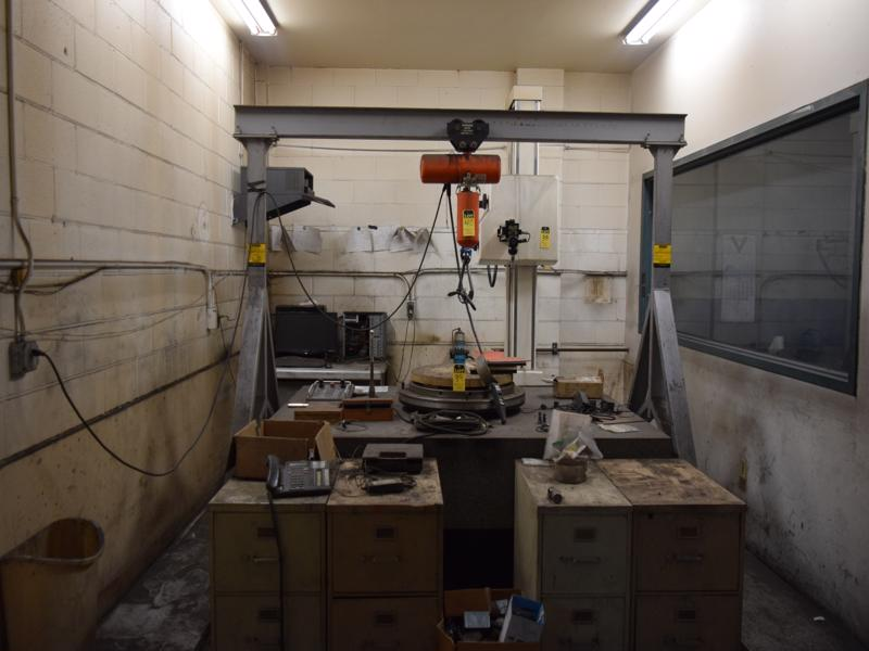 1999 cma type t30acrol coordinate measuring machine s/n 8010699 with Renishaw ph10m stylus, computer and monitor, 59