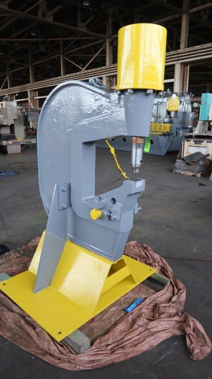 140 Ton Fabriline C-Frame Hydraulic Punch