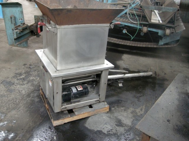 Accu-Rate Dry Material Feeder