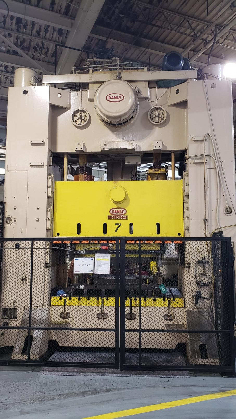 250 Ton Danly S2-250-84-48 SSDC  Press