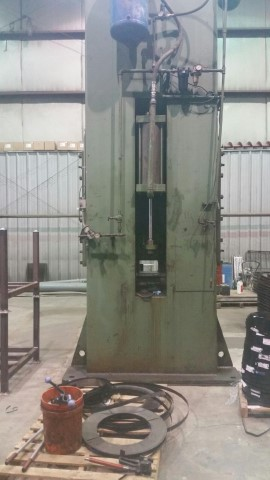 """250-Ton Verson SSDC 96"""" x 45"""" Press"""