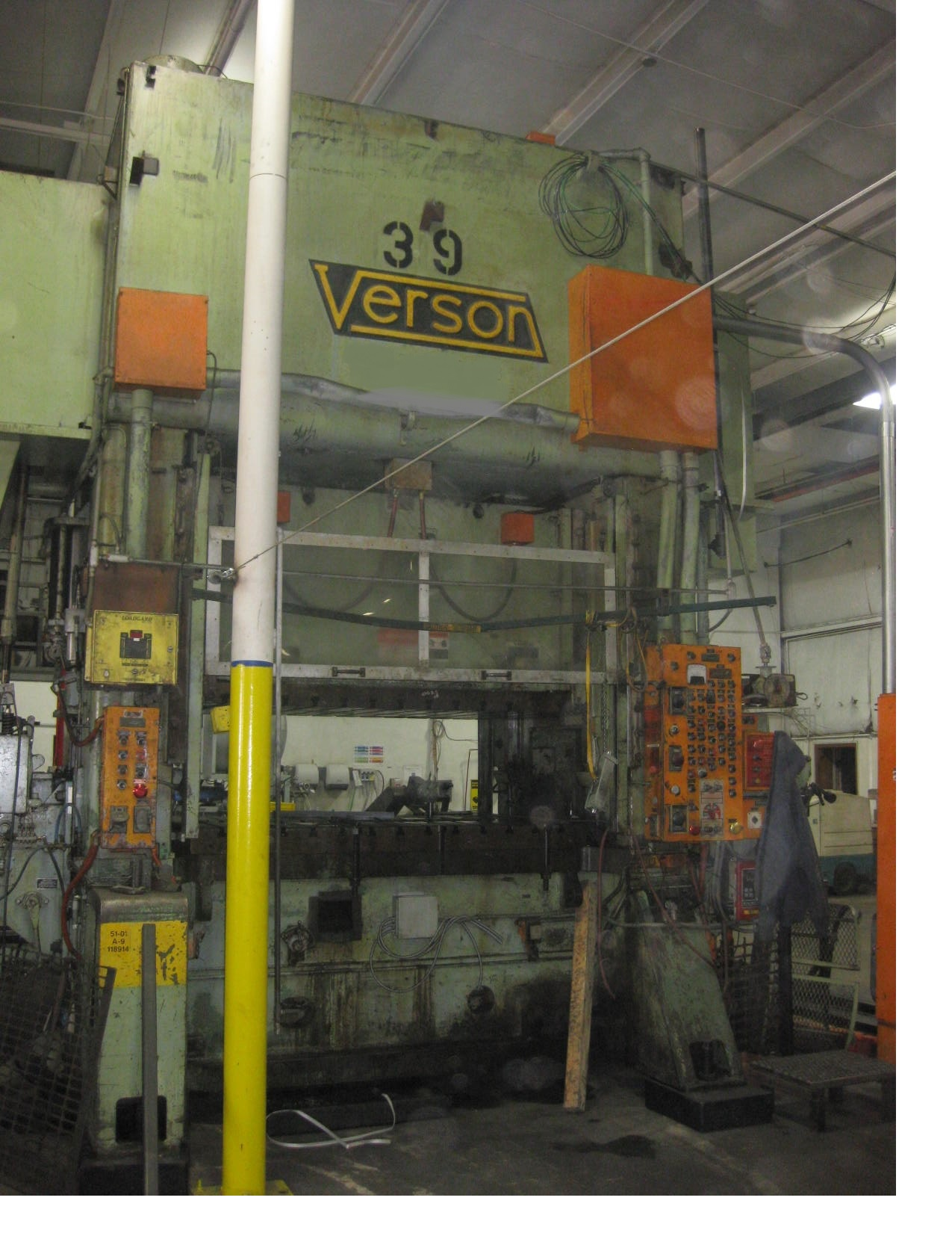 500 Ton Verson SE2-500-84-48 Straight Side Press