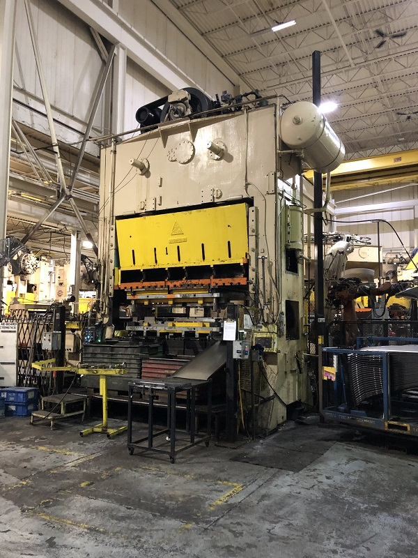 500 Ton Clearing S4-500-120-60 Sraight Side Press