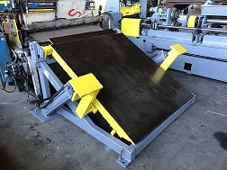 "60"" Rowe Peeler Table"