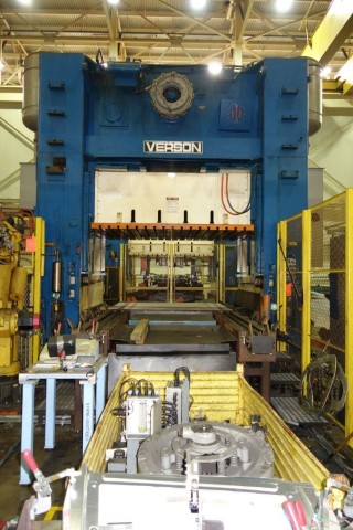 300 Ton Verson SE4-300-108-84 Press