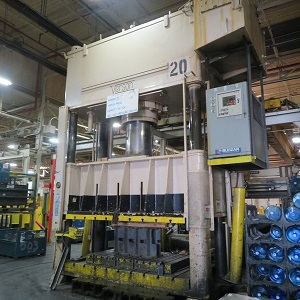 750 Ton Verson hydraulic press