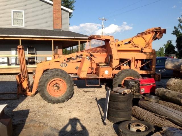 Lull Model 844-TT-42 Telehandler Forklift