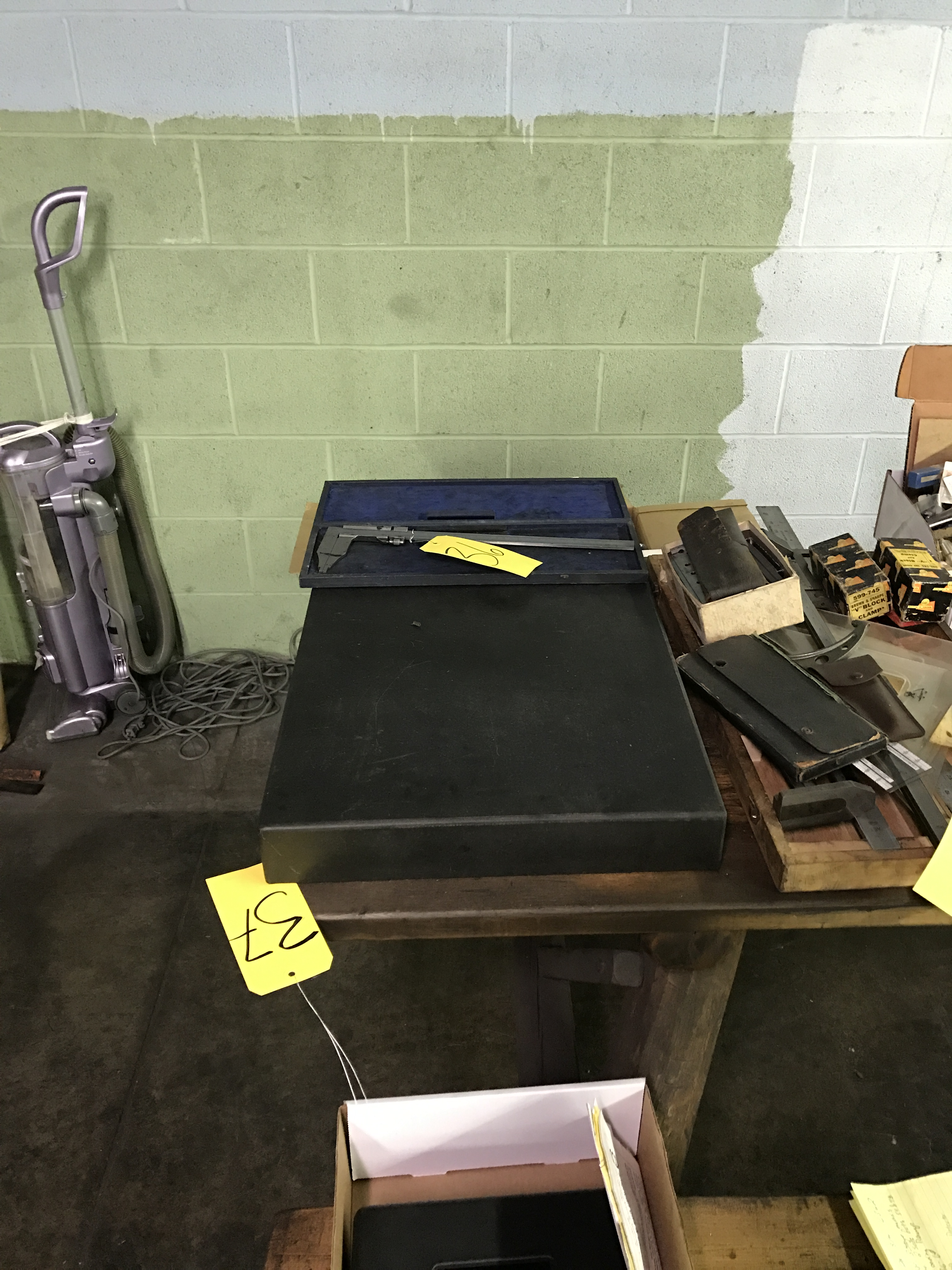 """18"""" x 24"""" x 3"""" Metroplate Granite Inspection Table"""