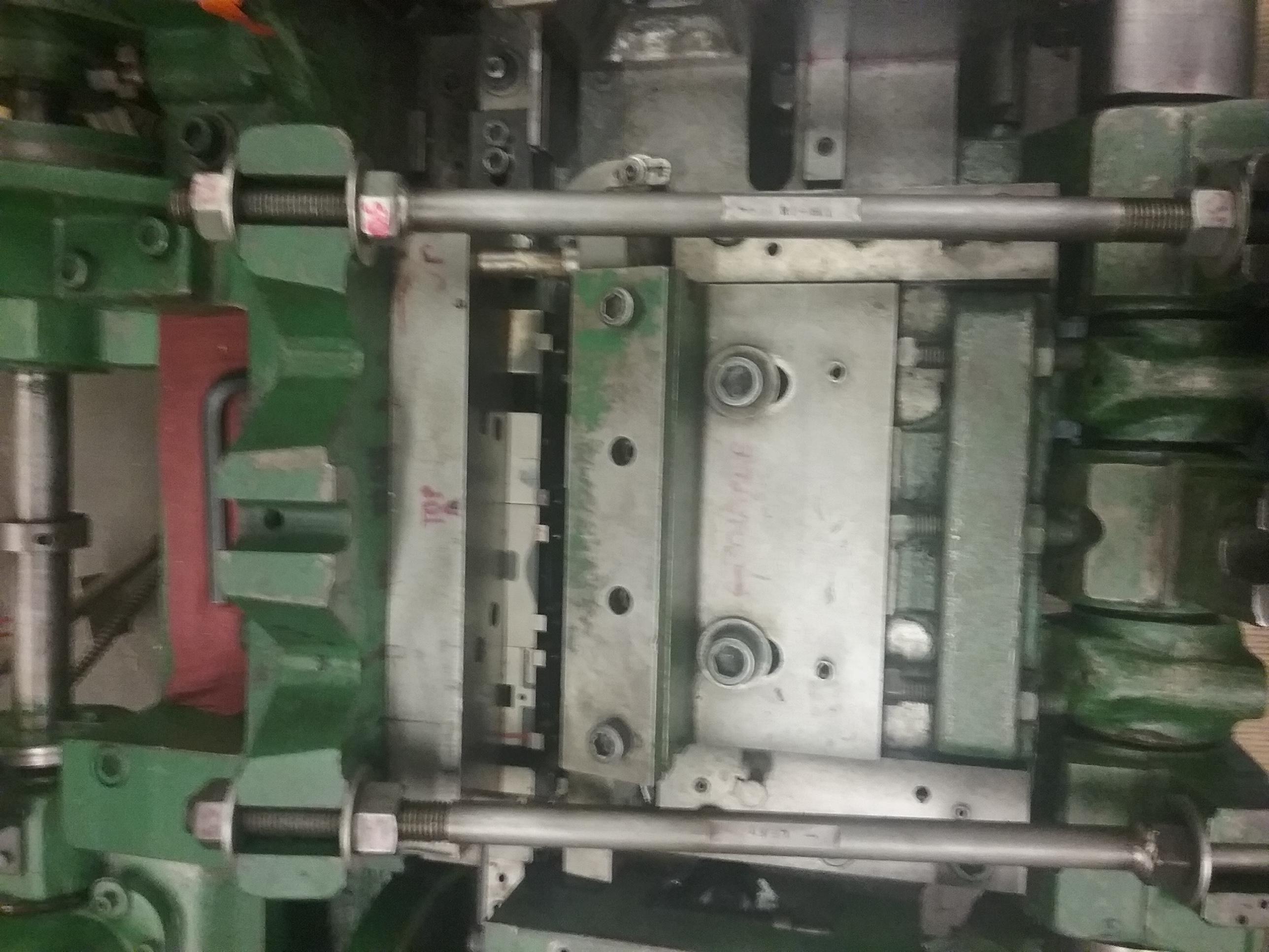 "3/16"" Nilson Model S-3-F Fourslide Machine"