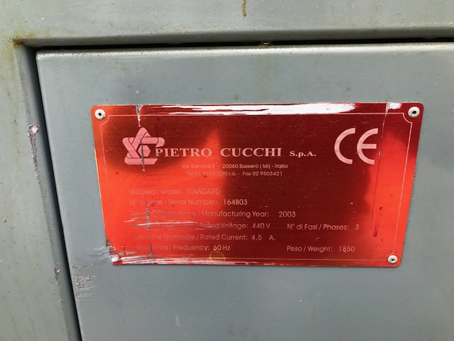 Cucchi Bar Feeder