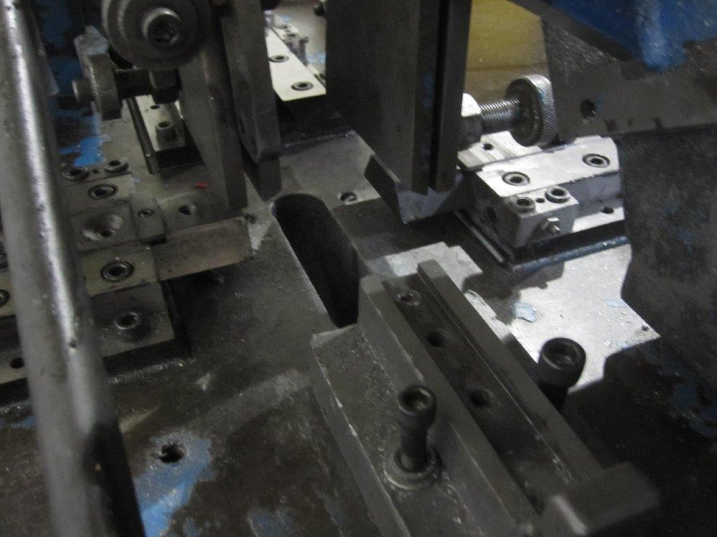 Roy Assembly Machine Model RM-25