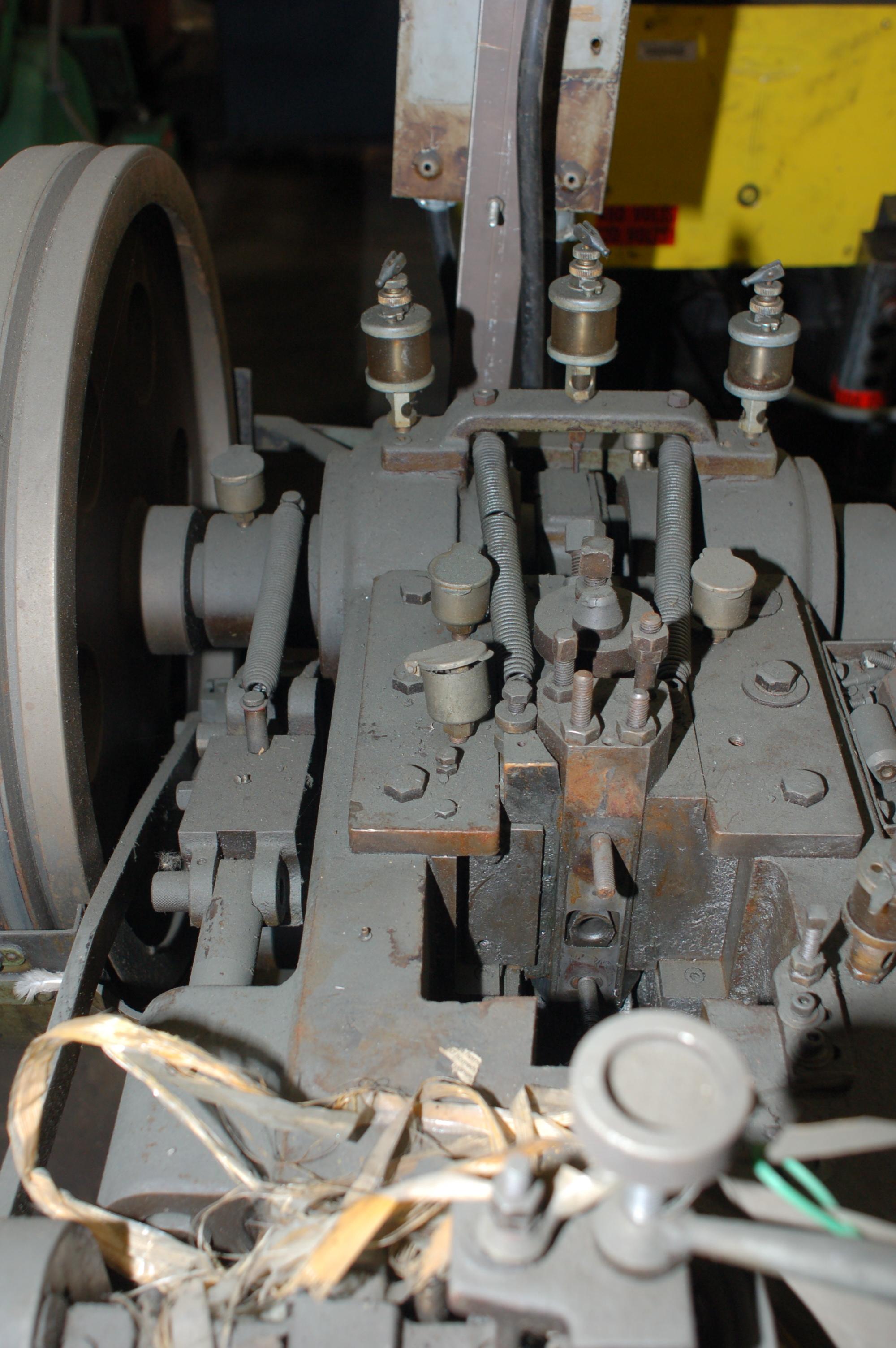 "5/32"" Tsukiboshi Model MT-300 DSSD Tubular Rivet Header"