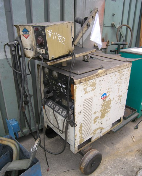 USED, HOBART RC250 WELDER WITH WIRE FEED
