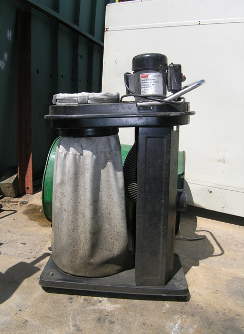 USED, DAYTON PORTABLE DUST COLLECTOR