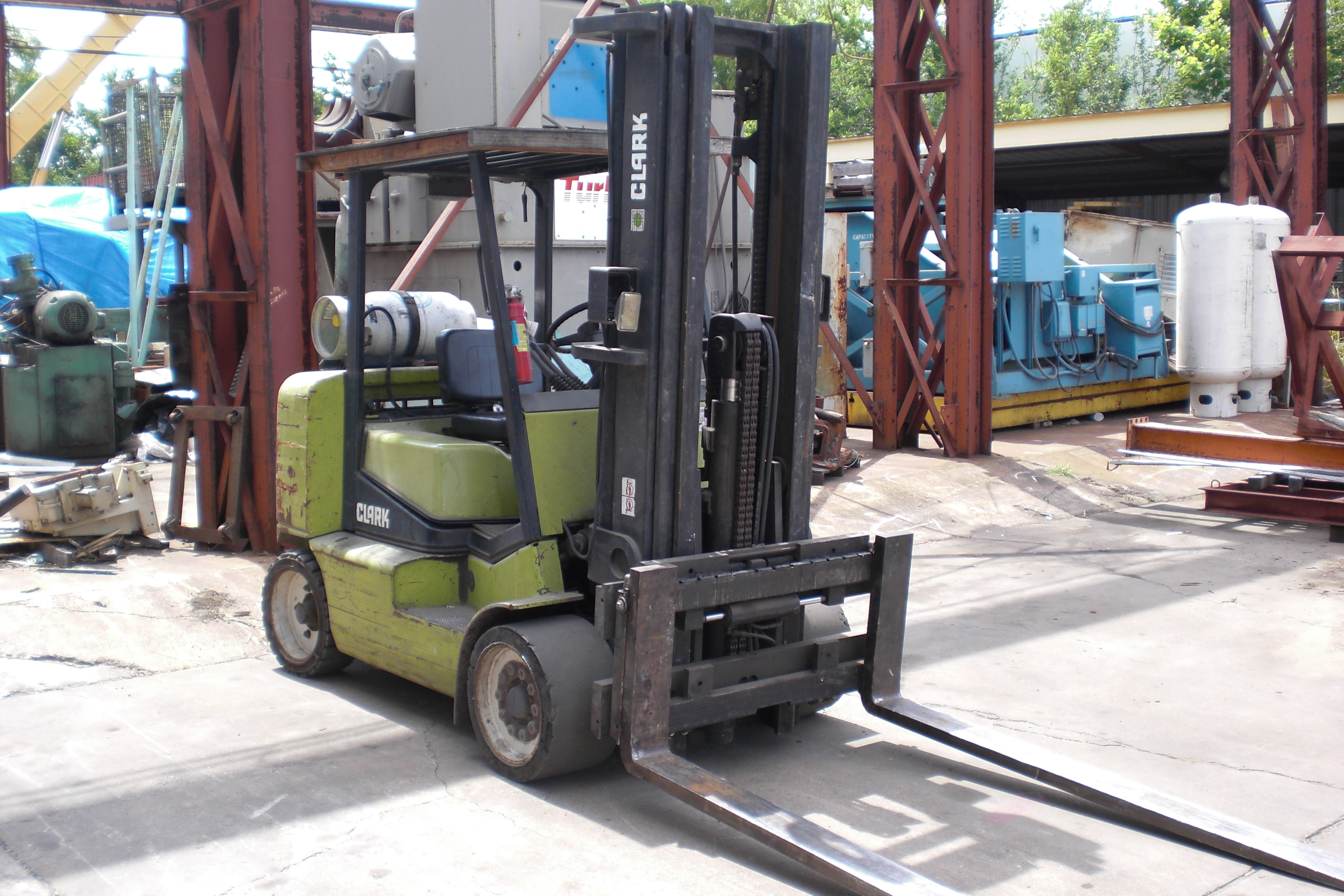 USED, 9,500 LBS. CLARK MODEL CGC50 FORKLIFT