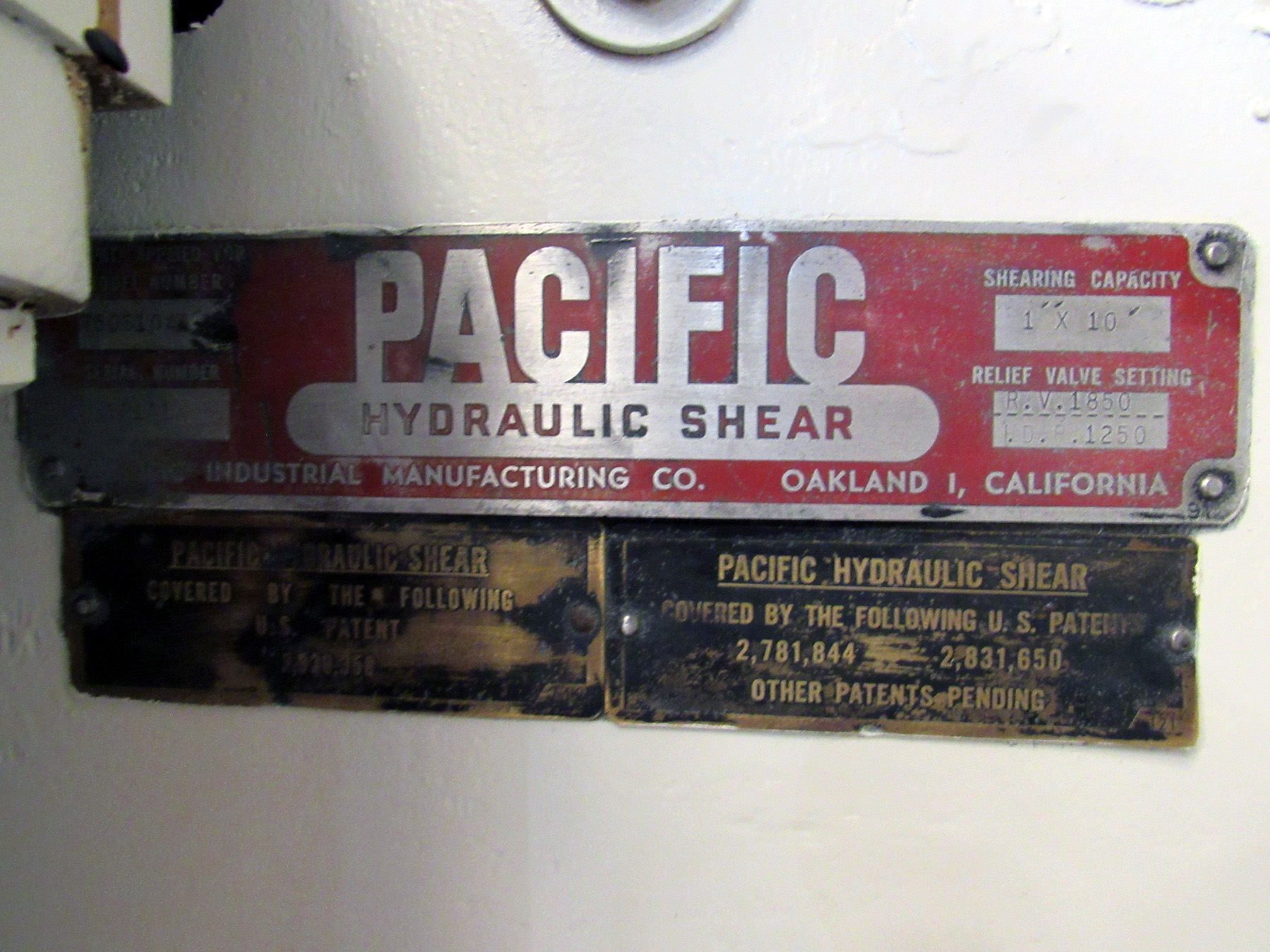 """USED, 1"""" X 10' PACIFIC MODEL 750-S10A HYDRAULIC POWER SQUARING SHEAR"""