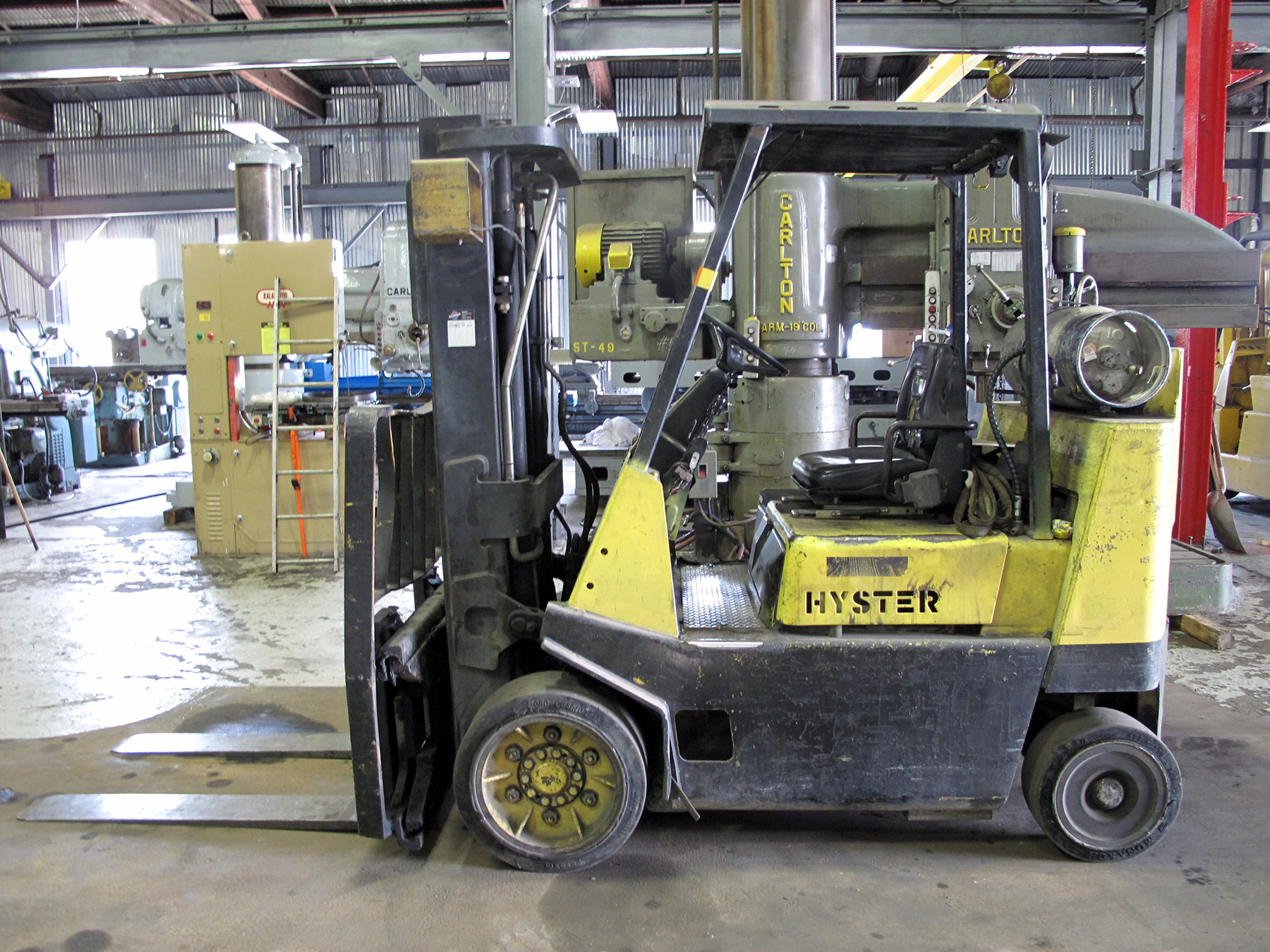 USED, 8,000 LB. HYSTER MODEL S80XLBCS FORKLIFT WITH TRIPLE STAGE MAST