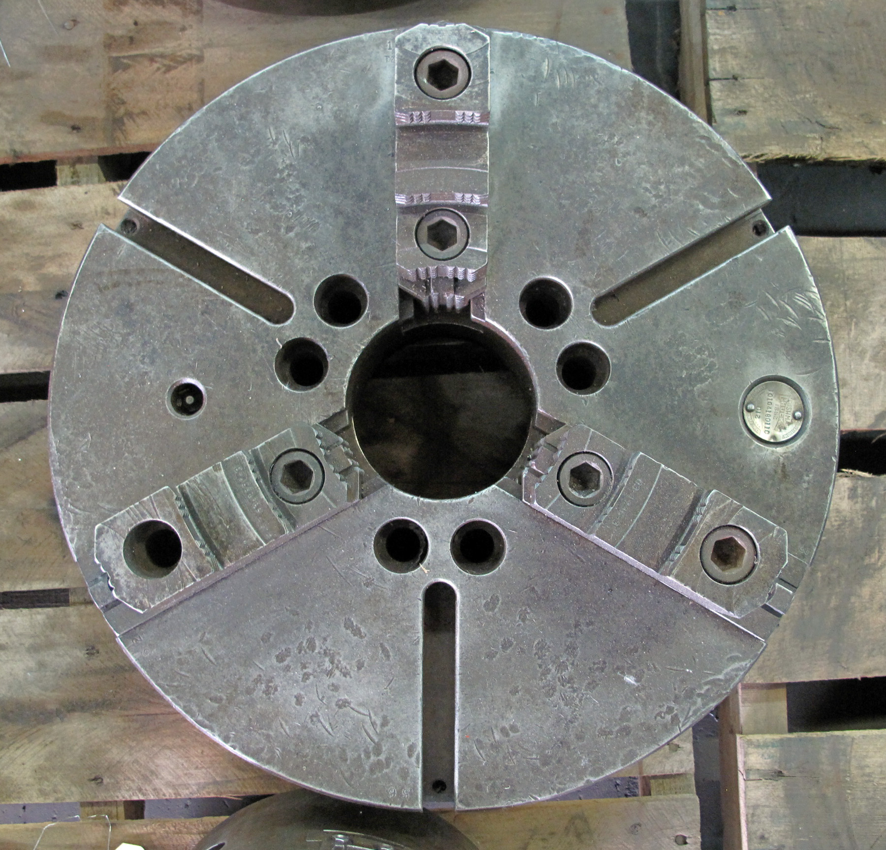 "USED, 18"" 3-JAW CUSHMAN CHUCK WITH 4"" THRU-HOLE"