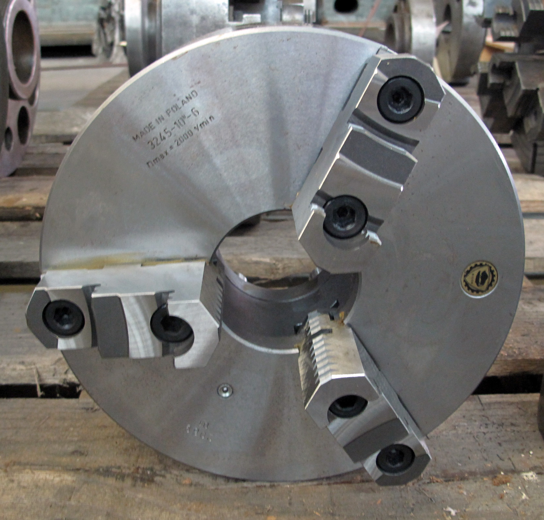 """NEW, 10"""" BISON 3-JAW CHUCK"""