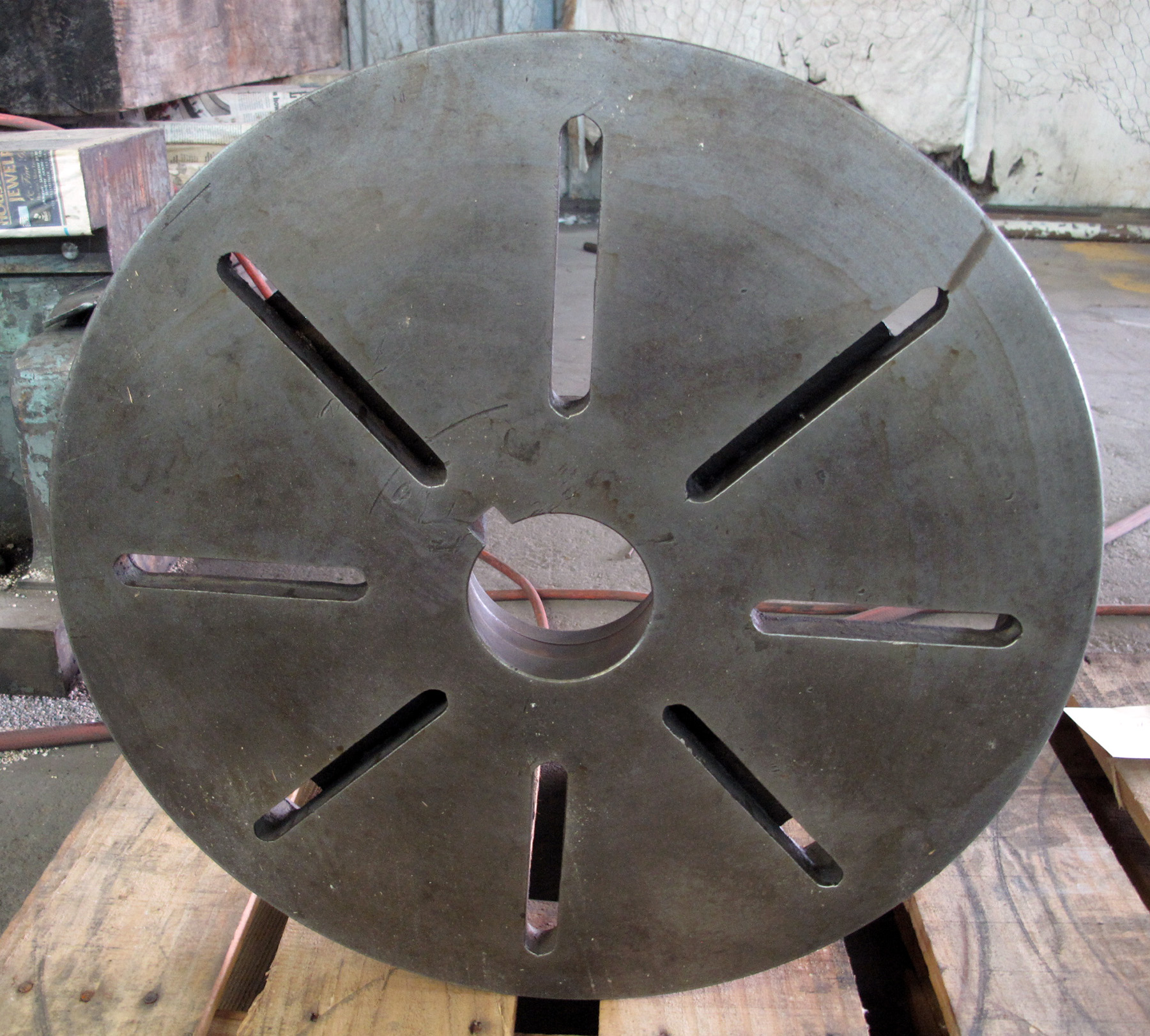 """USED, 18"""" DIAMETER FACE PLATE, L-1 MOUNT"""