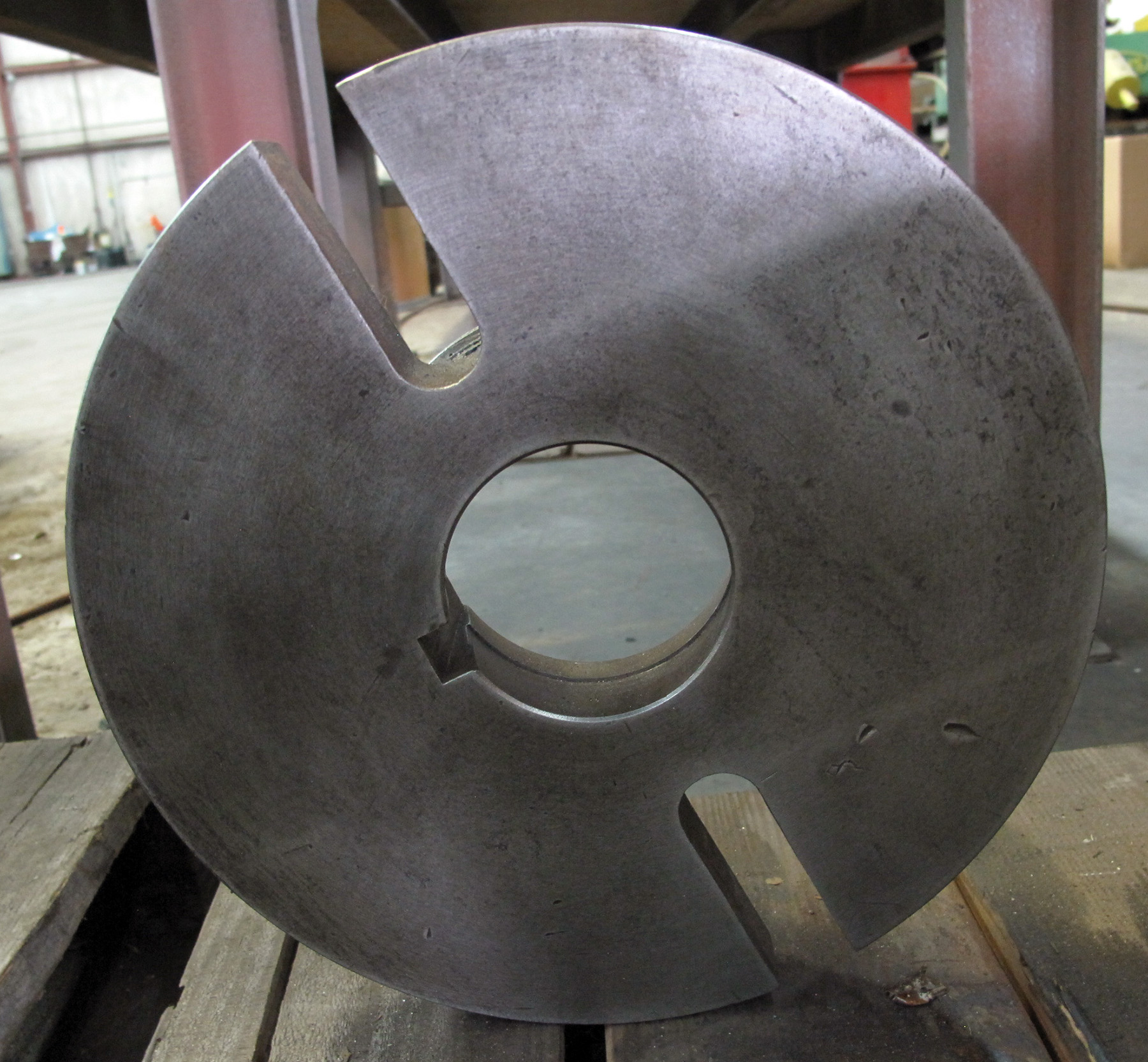 """USED, 12"""" DIAMETER FACE PLATE, L-1 MOUNT"""