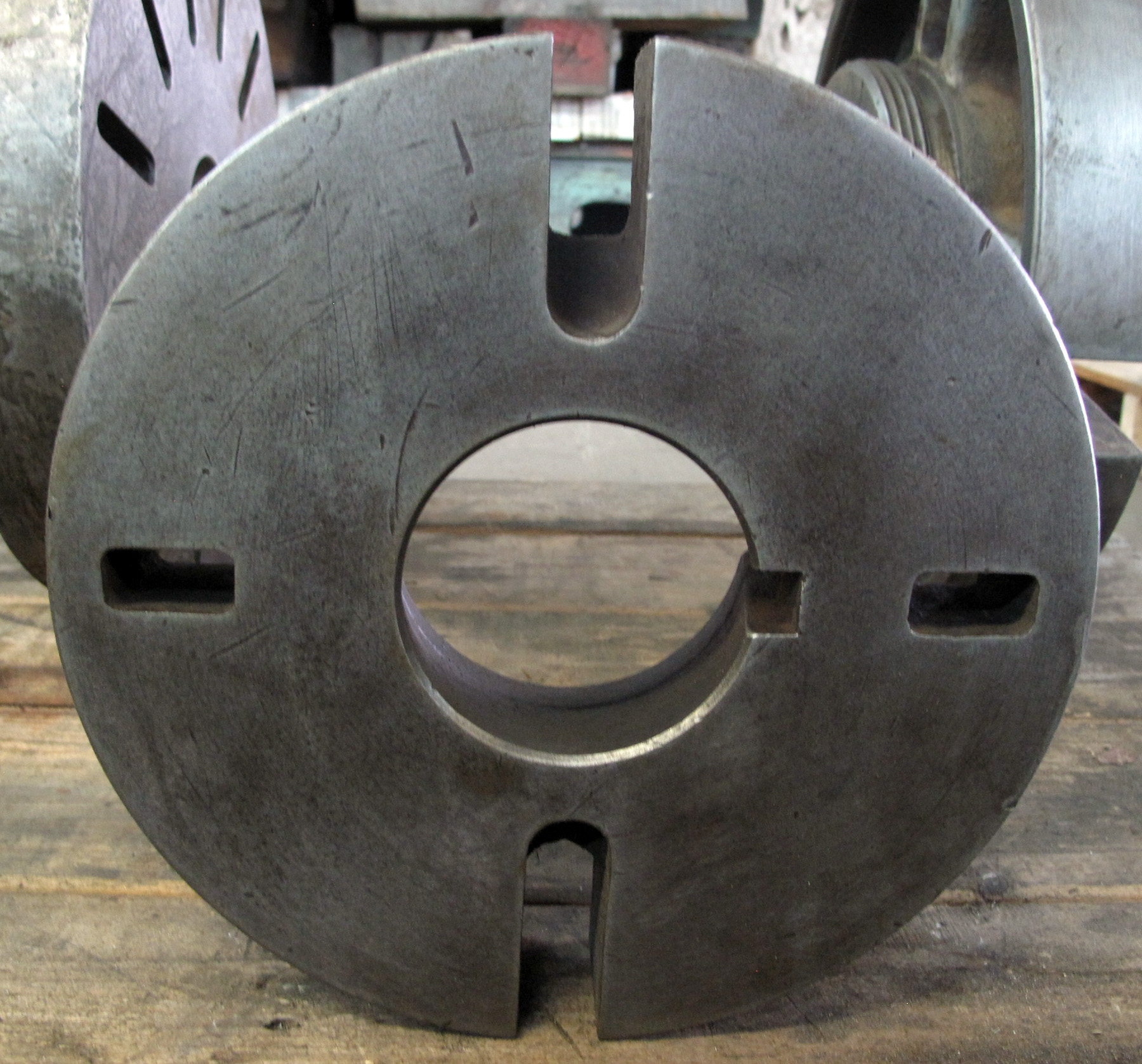 """USED, 10"""" DIAMETER FACE PLATE, L-1 MOUNT"""