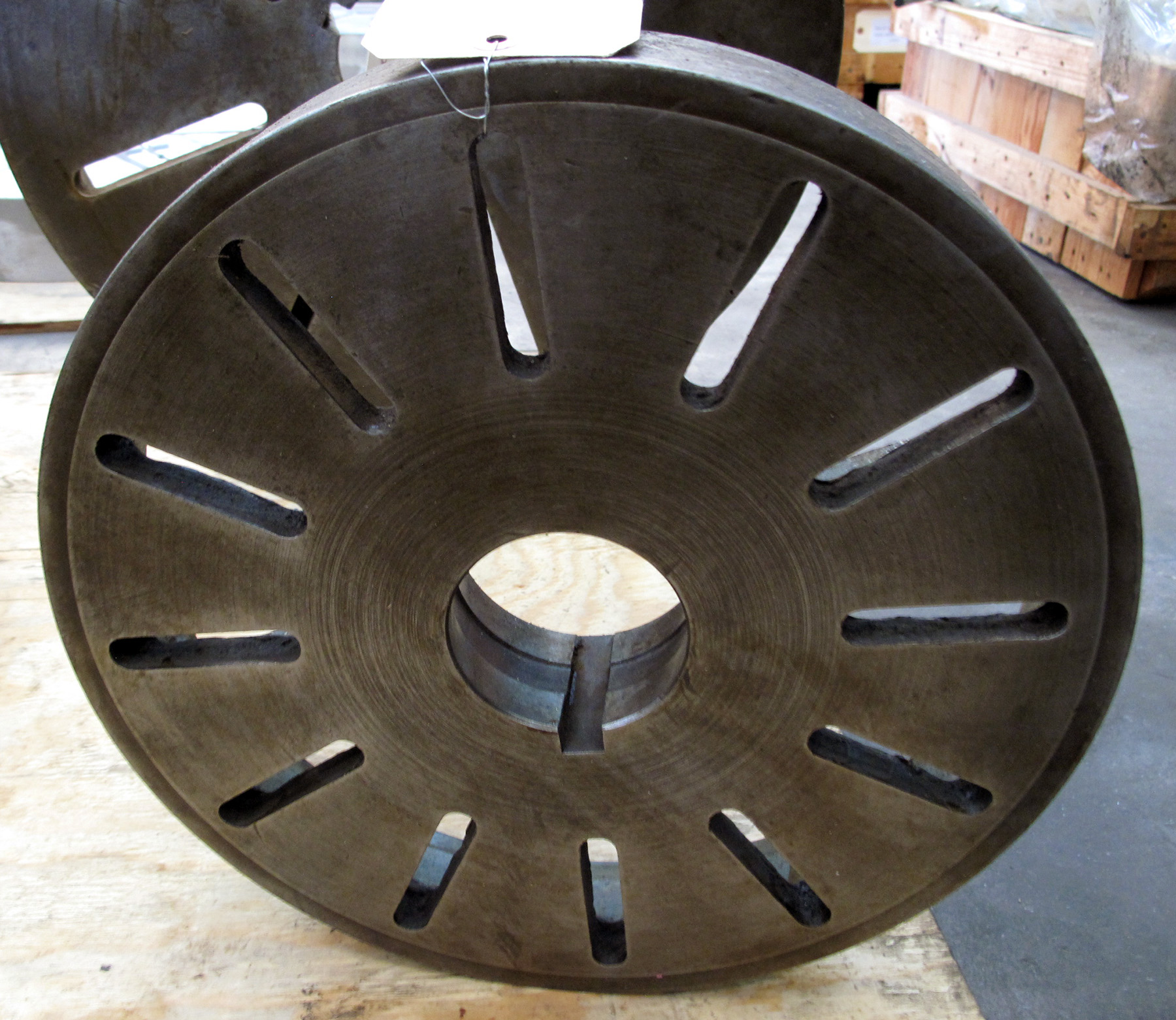 """USED, 15"""" DIAMETER FACE PLATE, L-1 MOUNT"""