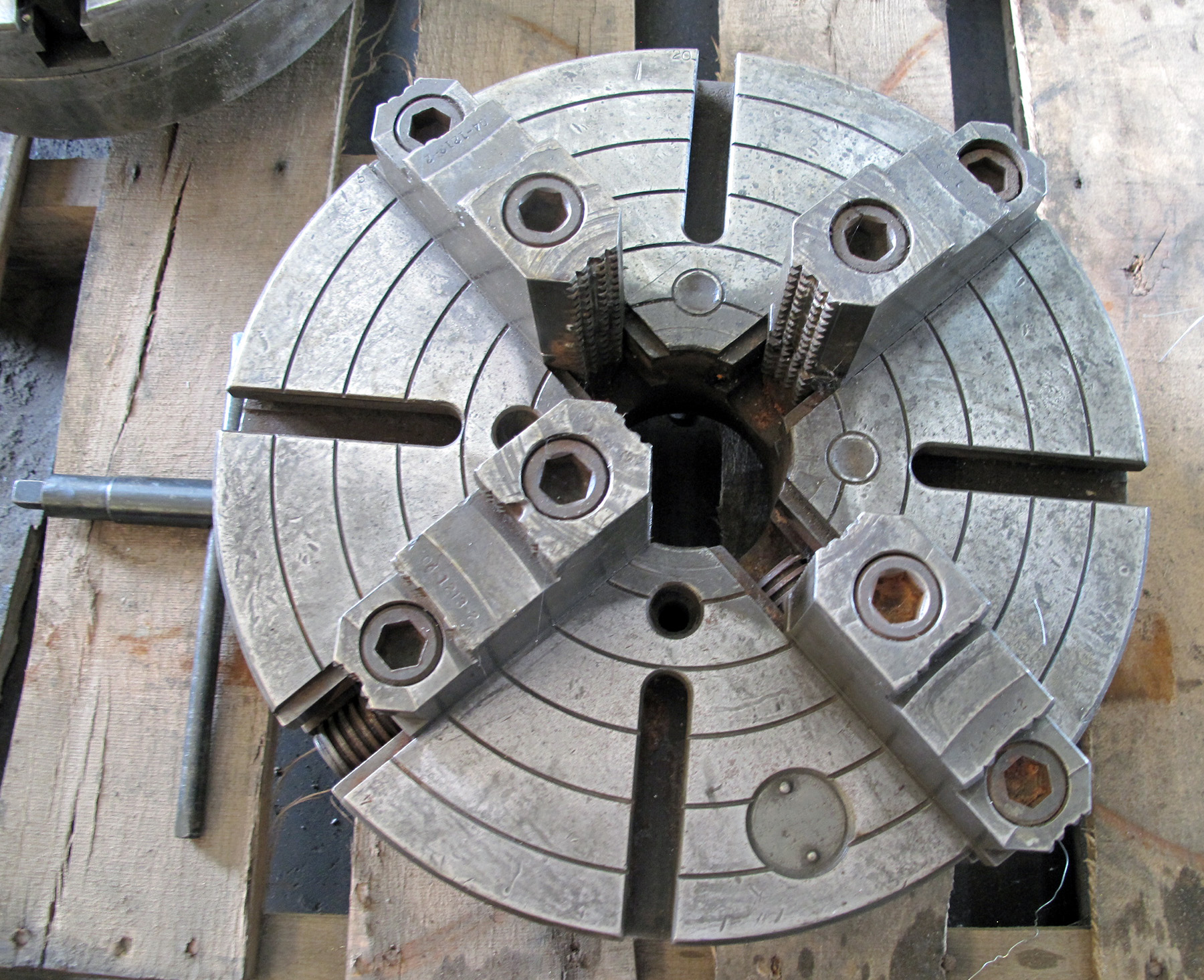"USED, 15"" 4-JAW CHUCK"