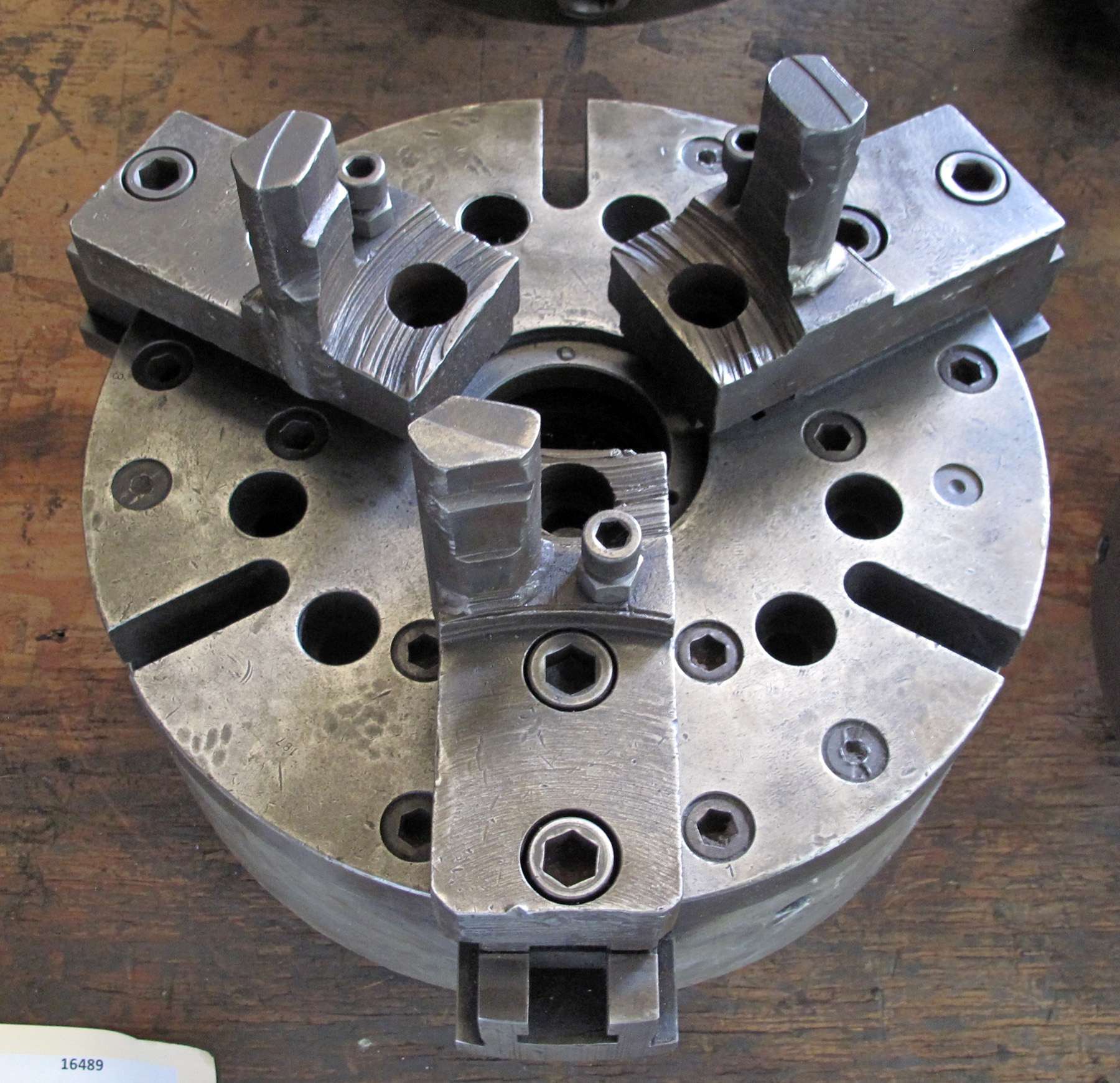 """USED, 15"""" 3-JAW HYDRAULIC CHUCK WITH TOP JAWS, 3"""" THRU-HOLE"""