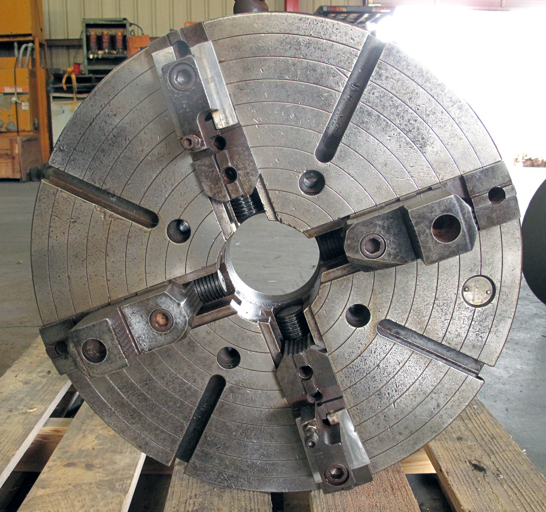 "USED, 24"" CUSHMAN 4-JAW CHUCK, 5"" THRU-HOLE, A-11 MOUNT, 2 PIECE JAWS, WITH 26"" ADAPTER PLATE"