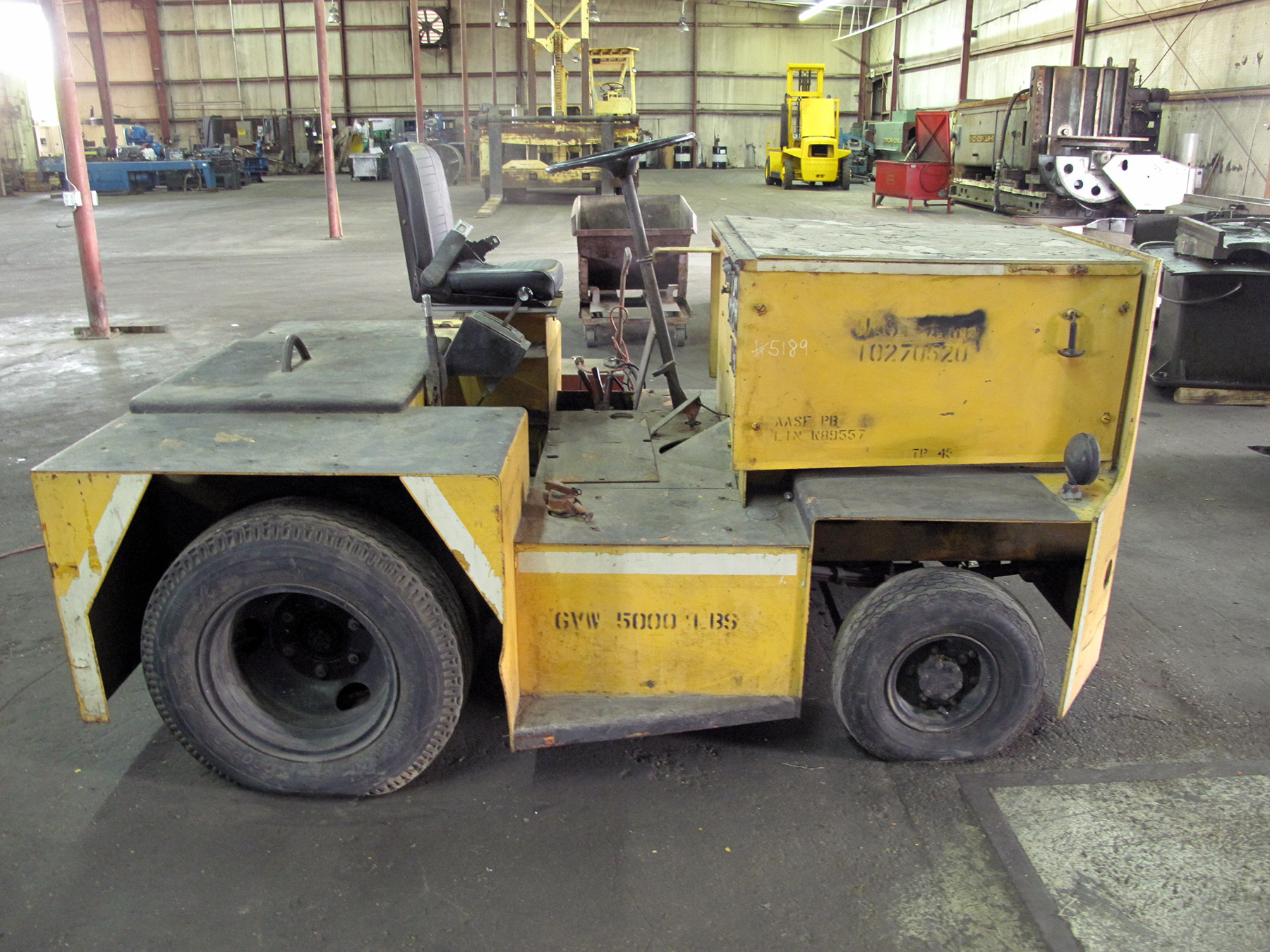 USED, 4000 LB. UNITED MODEL G-40-3 TOW TRACTOR